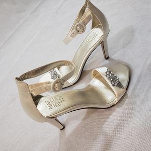 Naturalizer women's Kinsley ivory satin sandal